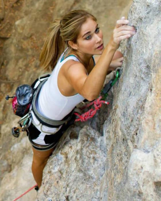 hot_rock_climbing_girls_16